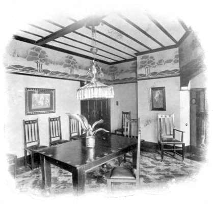 'simple' Edwardian dining room
