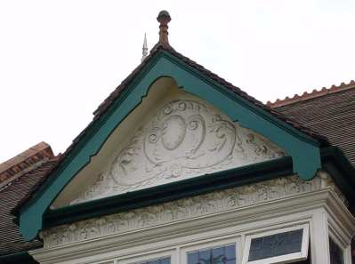 Edwardian gable with deep foot
